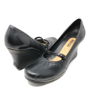 Kenneth Cole Reaction Mary Jane Wedge Heels 10
